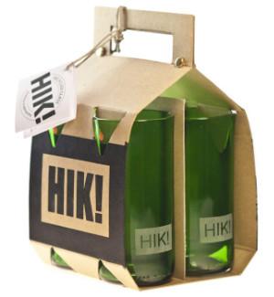 HIK!-nimiset, kierrätyslasista valmistetut vihreät juomalasit.